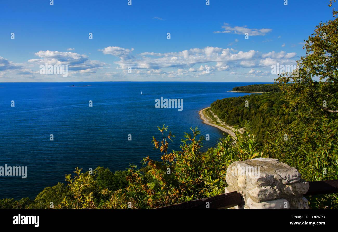 Sven's Bluff Scenic Overlook looking at Green Bay in Peninsula State Park in Door County, Wisconsin - Stock Image