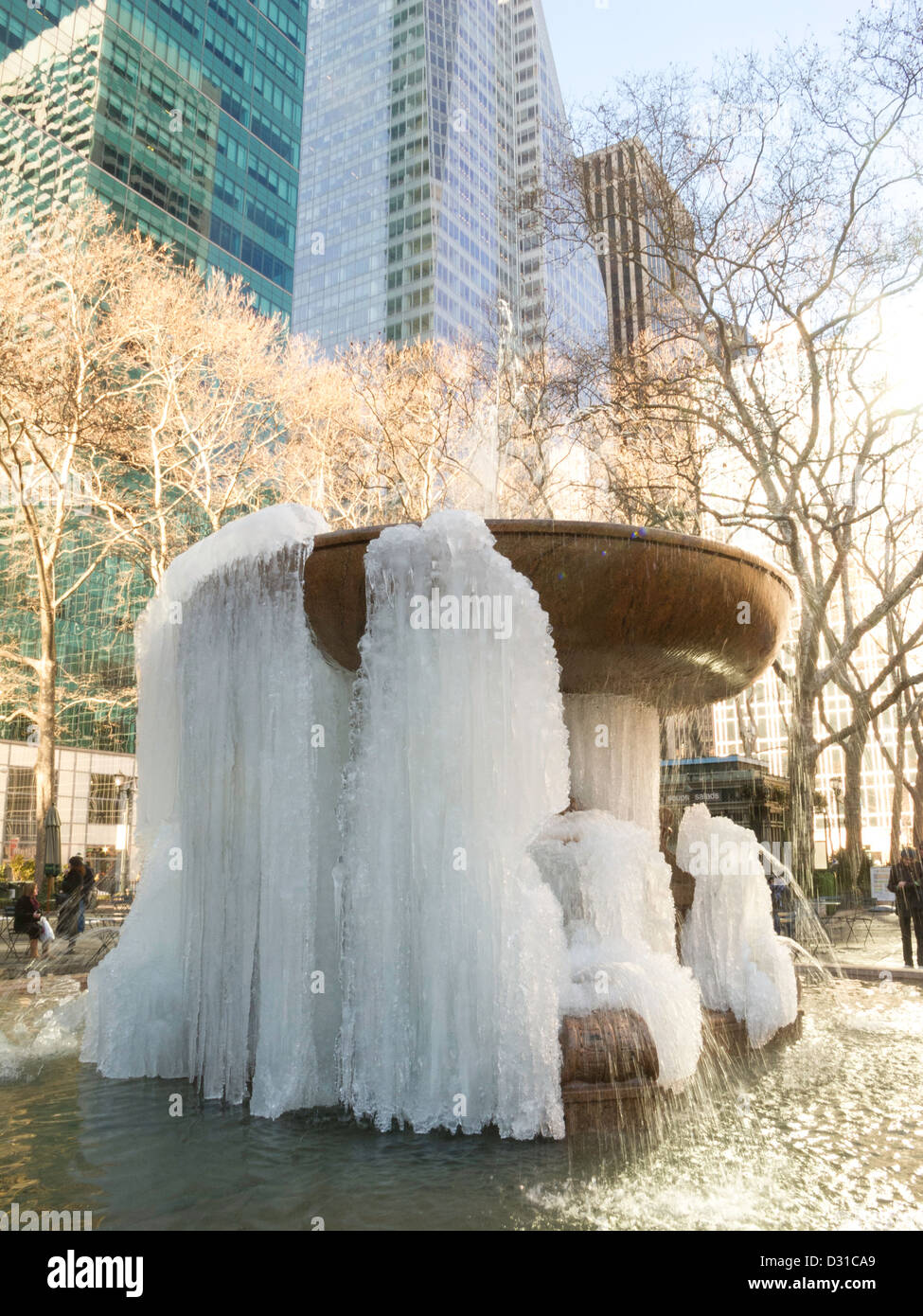 The Josephine Shaw Lowell Memorial Fountain, Frozen during Winter Storm Khan, Bryant Park, NYC - Stock Image