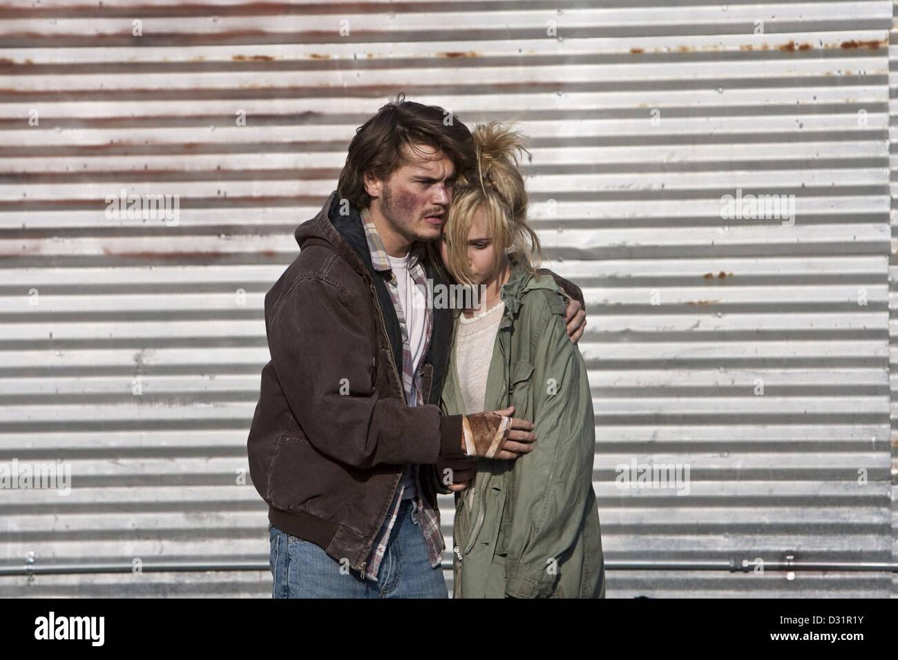 Juno tempel dating Emile Hirsch im 19 dejta en 17-åring