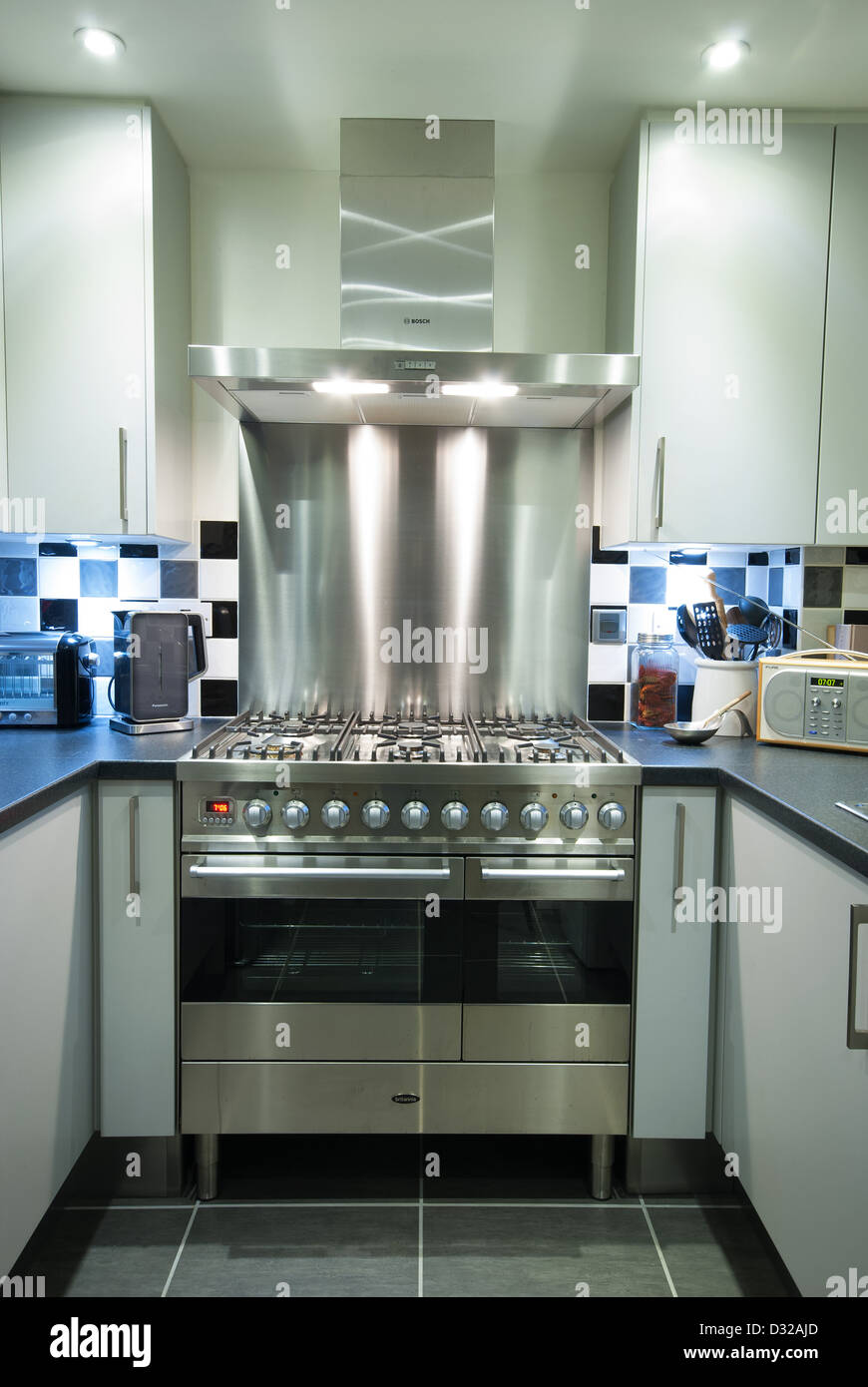 a modern gas electric range cooker with extractor and. Black Bedroom Furniture Sets. Home Design Ideas