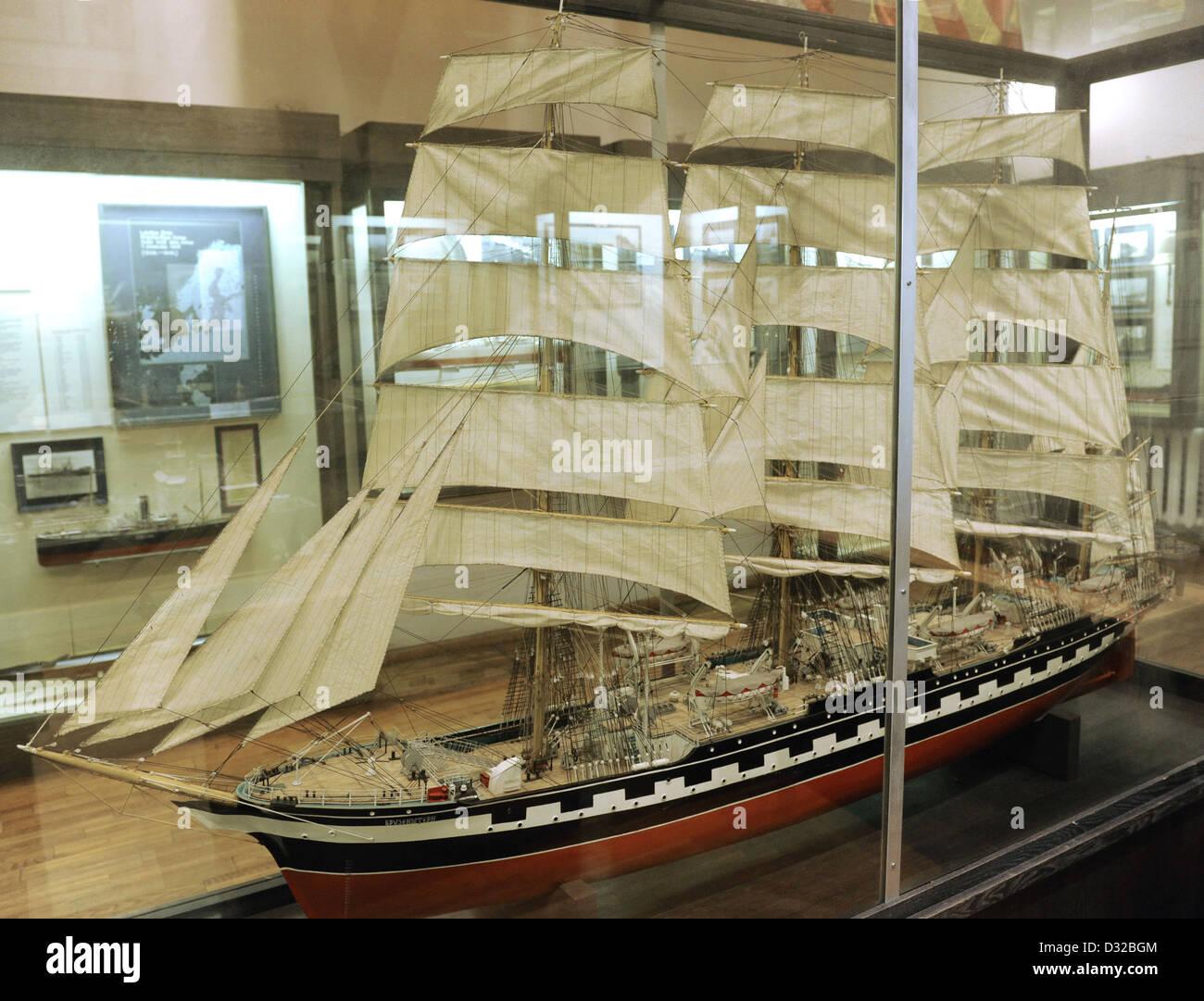 History of navigation. Training ship 'Krusensterns'. Sailing boat. 1926. Model by I. Milusev. Scale: 1,50. - Stock Image
