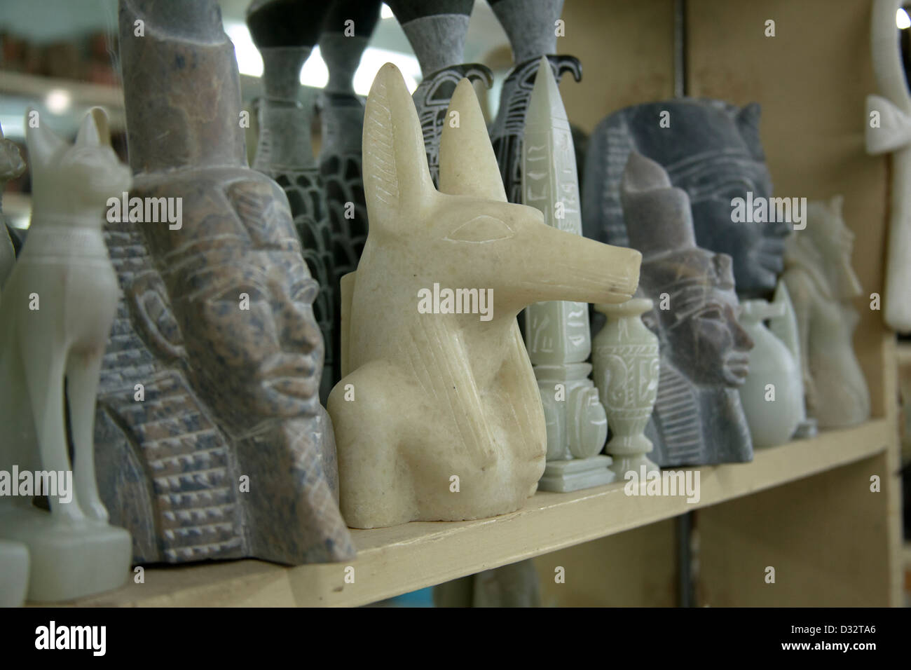 Stone carving zimbabwe stone sculpture taxidermy mounts for sale