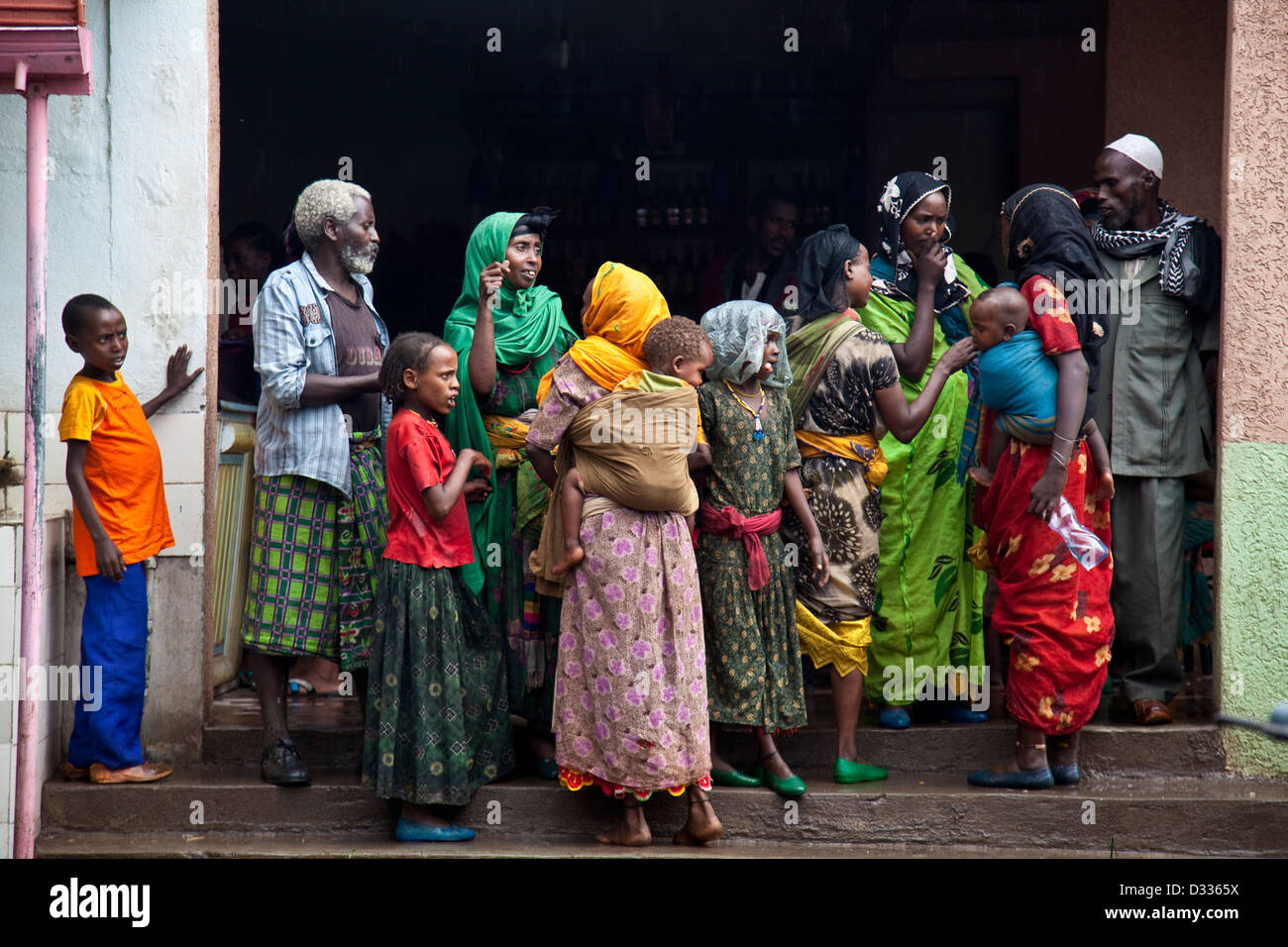 Women wait at a bus station near Harar, Ethiopia - Stock Image
