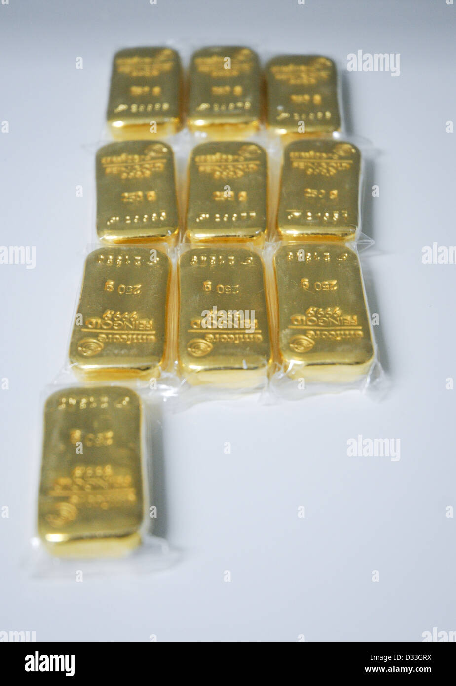 Heraeus Feingold 999.9 Gold Ingot Bullion Bars 250g - Stock Image