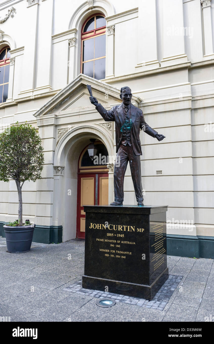 The statue of John Curtain MP outside the town hall in Fremantle, Western Australia - Stock Image
