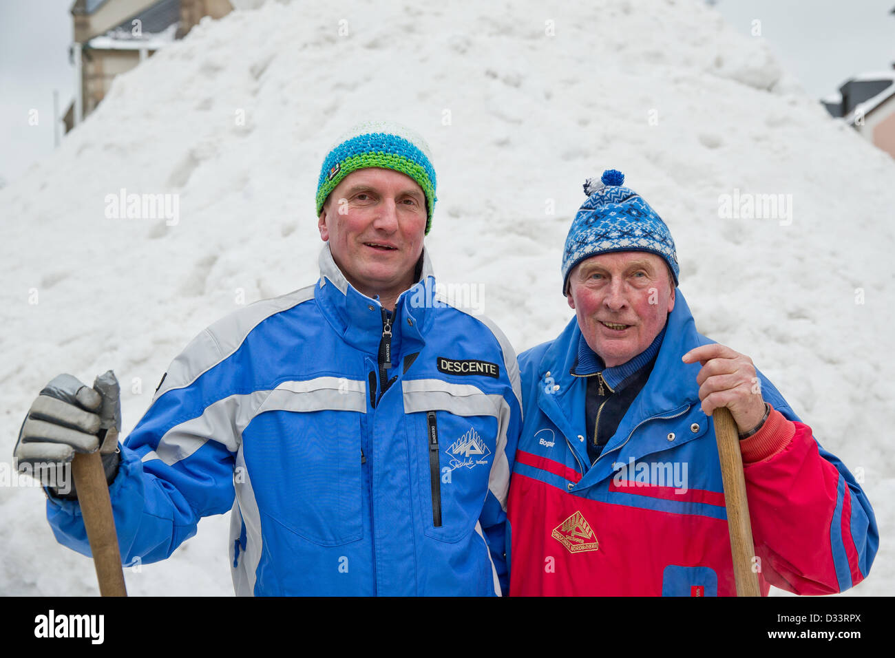 Bischofsgruen, Germany. 8th February 2013. Berndt (L) and Horst Heidenreich in front of 'Jacob', Germany's - Stock Image