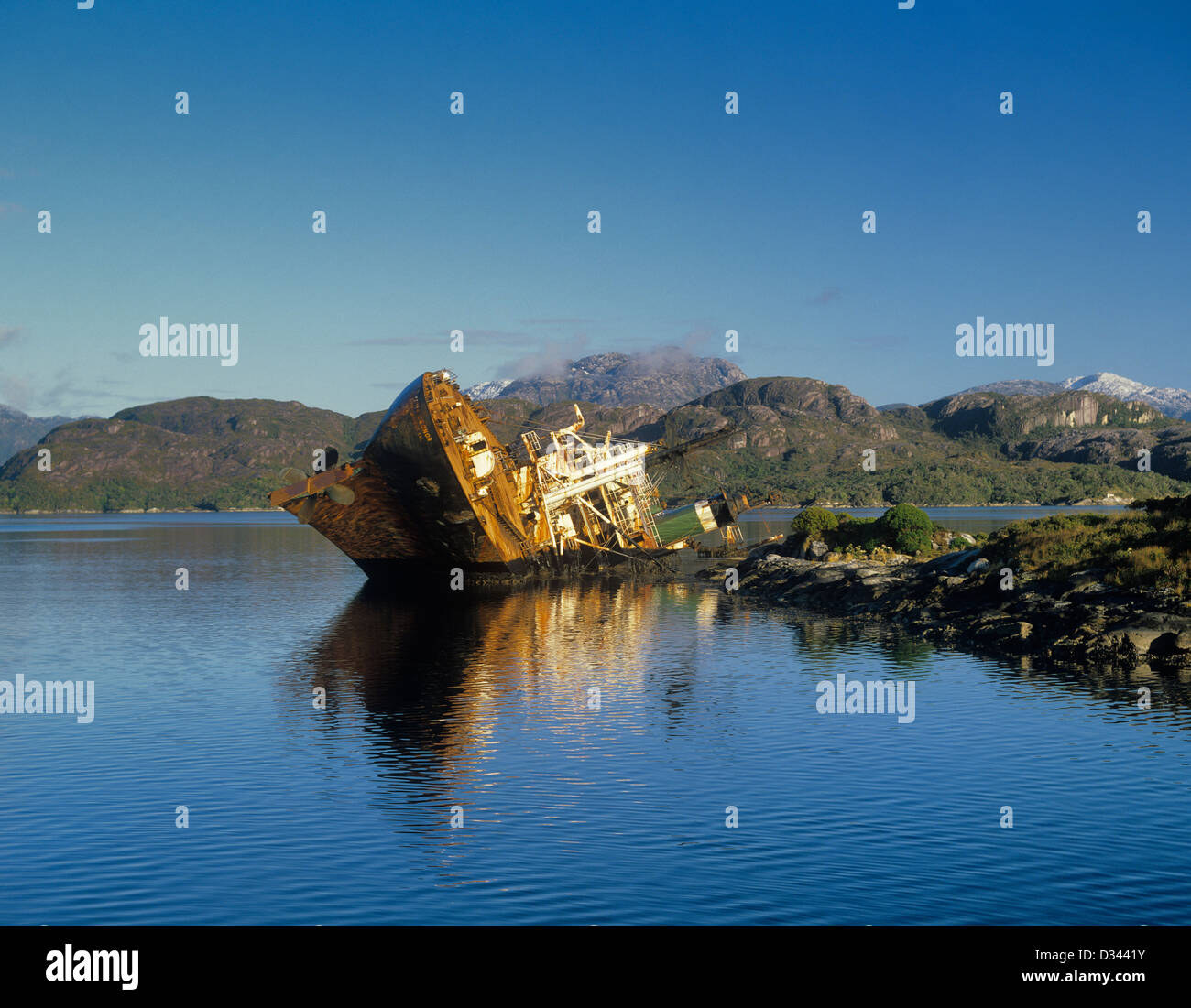 Chile, Region Magallanes, Archipelagic Chile, Canal Mayne, Shoal Pass, wreck of the 'Santa Eleonor'. - Stock Image