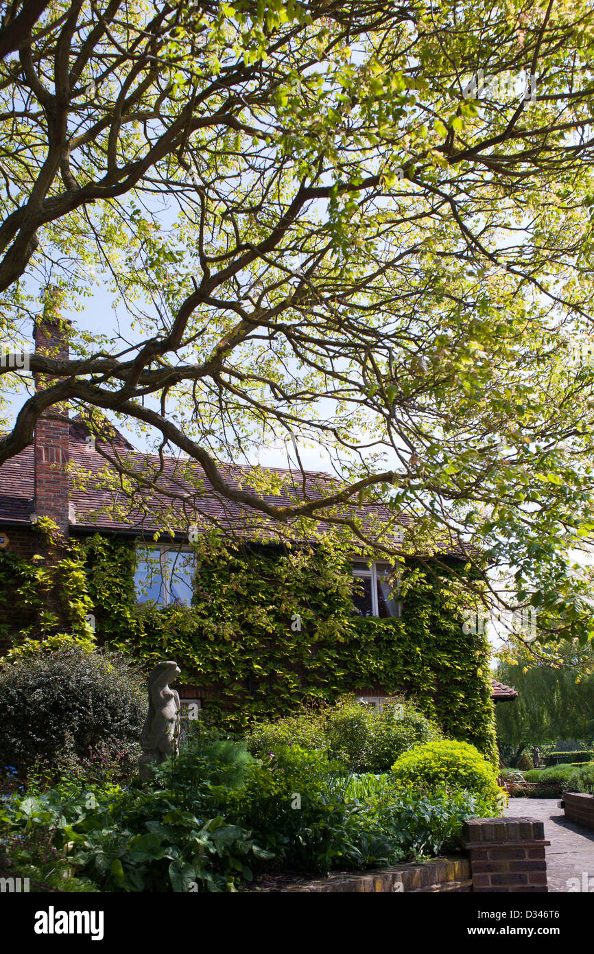 Traditional house and garden, Kent England. Stock Photo