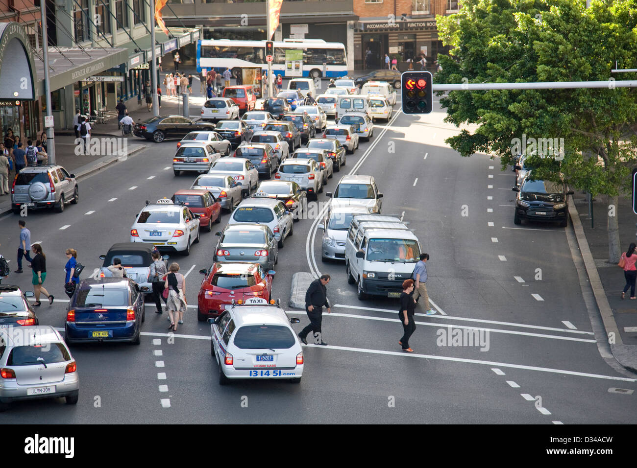 traffic congestion in sydney CBD - Stock Image