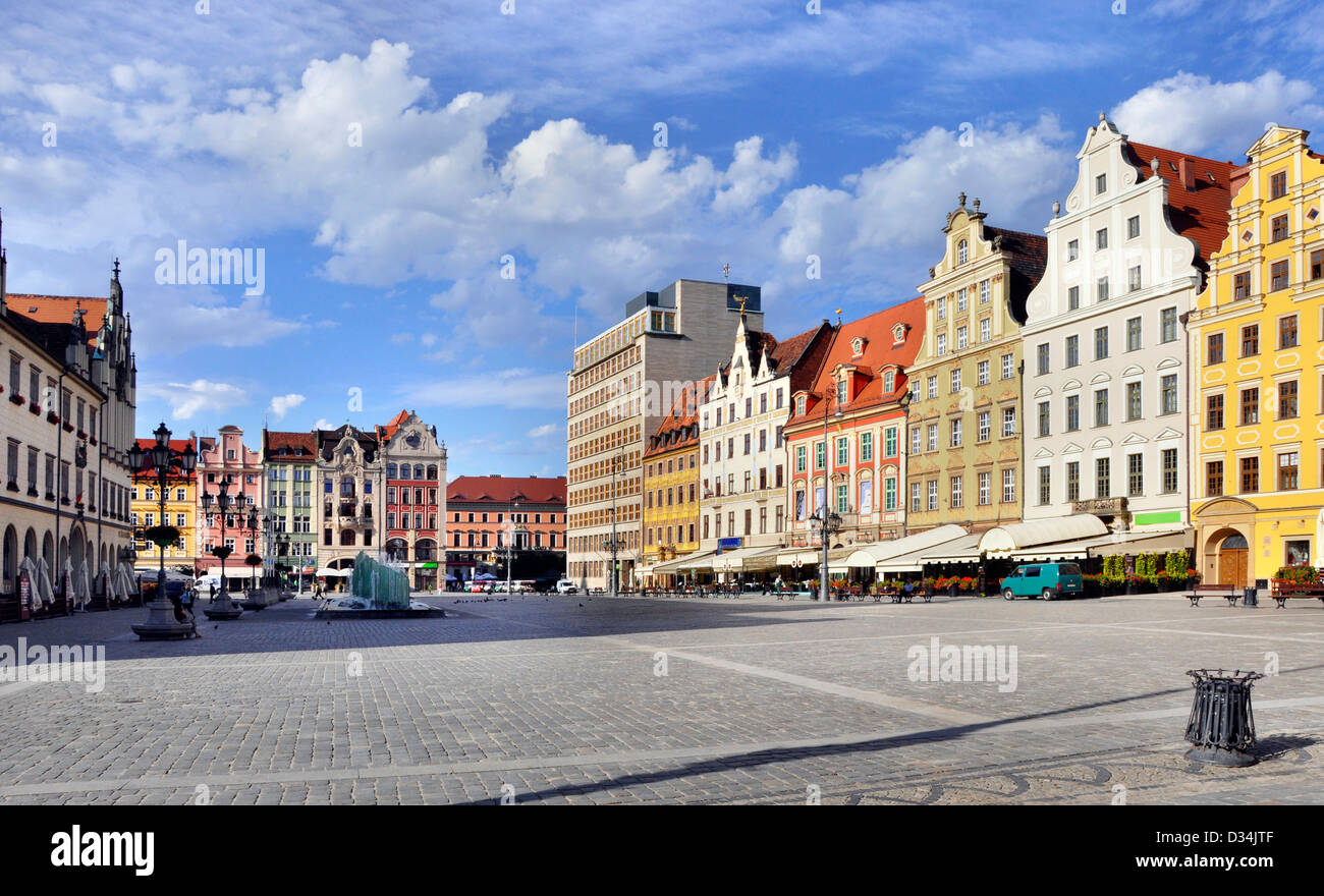 Rynek (Market Square) in Wroclaw (Breslau), Poland with old historic tenements - Stock Image
