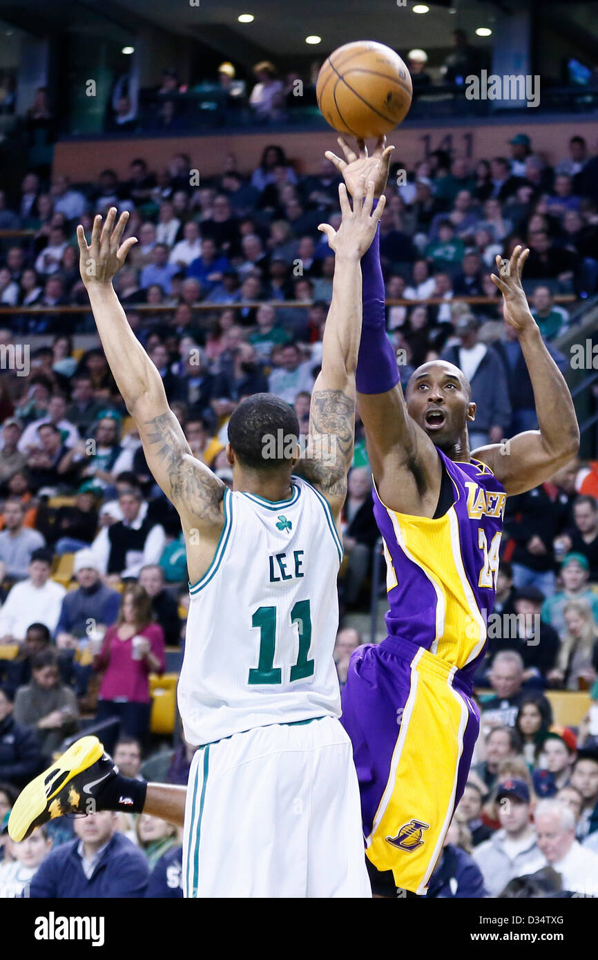 07.02.2013. Boston, Mass.  Los Angeles Lakers shooting guard Kobe Bryant (24) takes a jumpshot over Boston Celtics - Stock Image