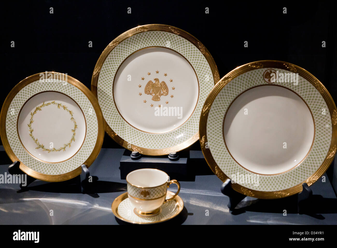 Laura Bush's White House state china set - Stock Image