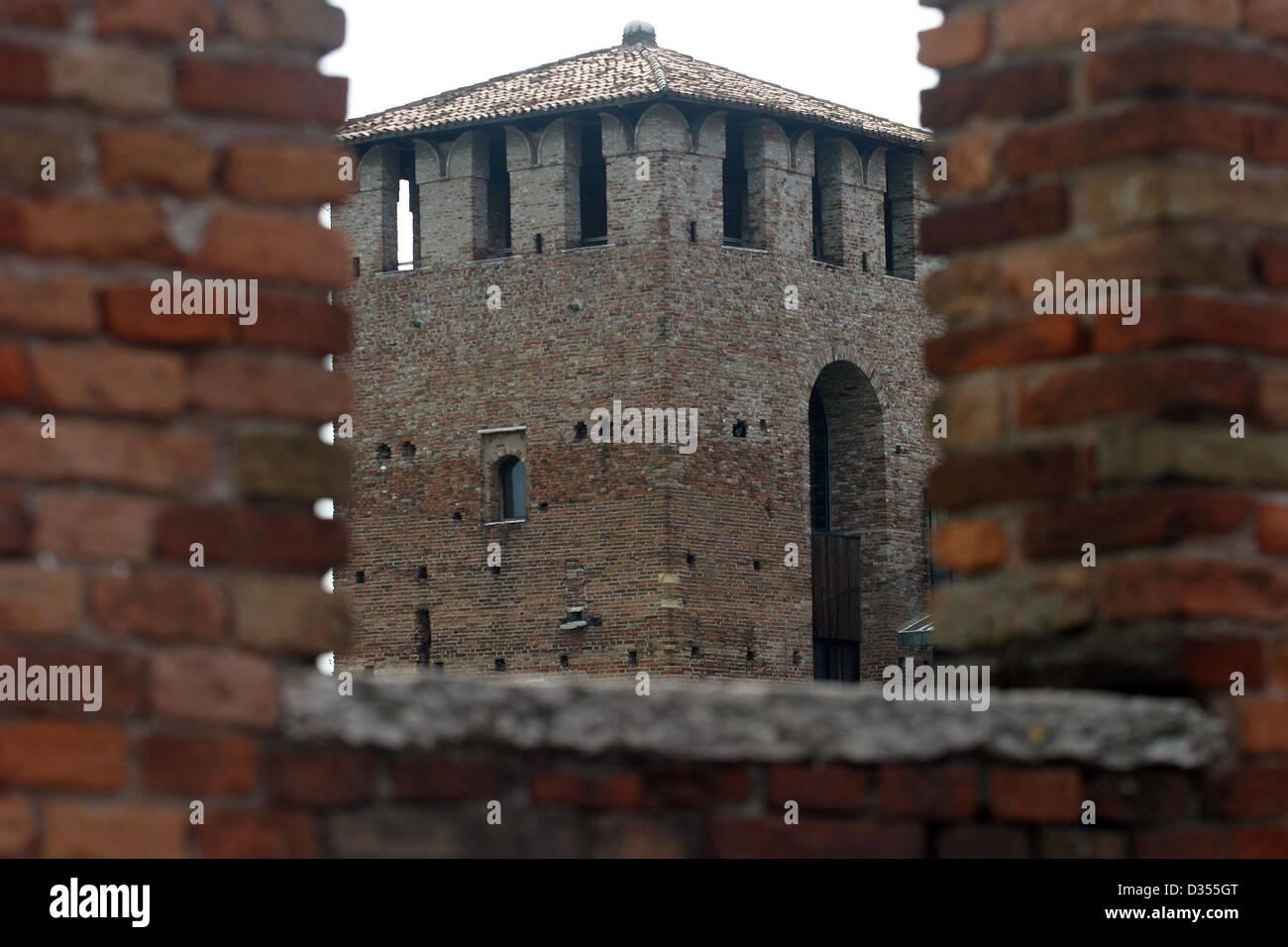 Italy, Verona, Scaliger Bridge (ponte Scaligero) - Stock Image