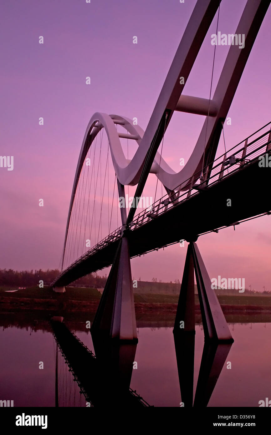 The Infinity Bridge over the river tees at daybreak - Stock Image