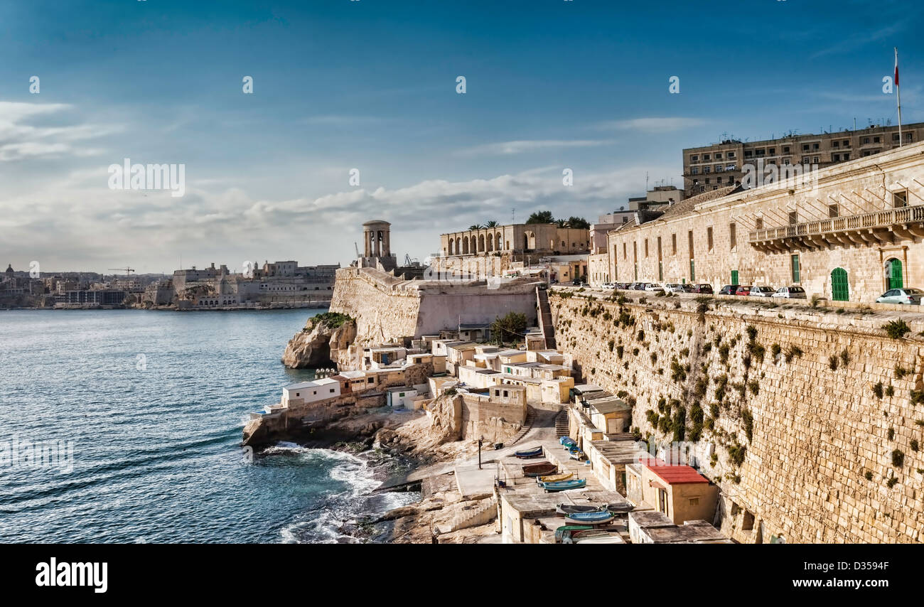 Great Harbour of Valletta with the Siege Bell Memorial erected in 1992 - Stock Image