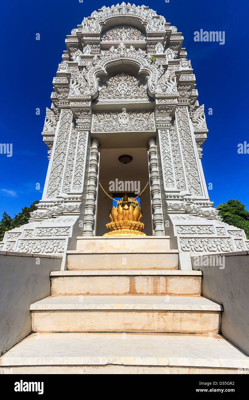 Stupa at Silver Pagoda in Phnom Phen, Cambodia, housing ashes of King Sihanouk, who died in 2012 and his daughter Stock Photo