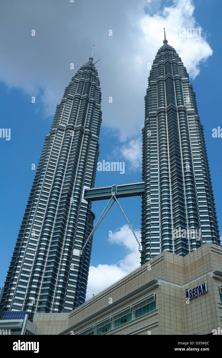 Petronas Towers in Kuala Lumpur, Malaysia - Stock Image