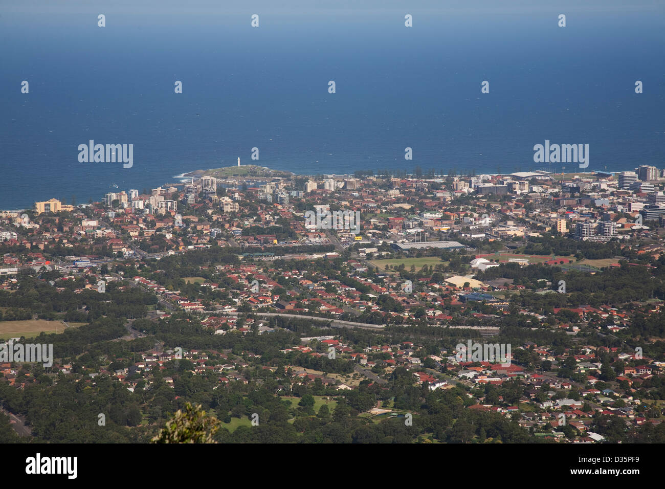 The view from Mount Keira Lookout over the city of Wollongong, New South Wales, Australia. - Stock Image
