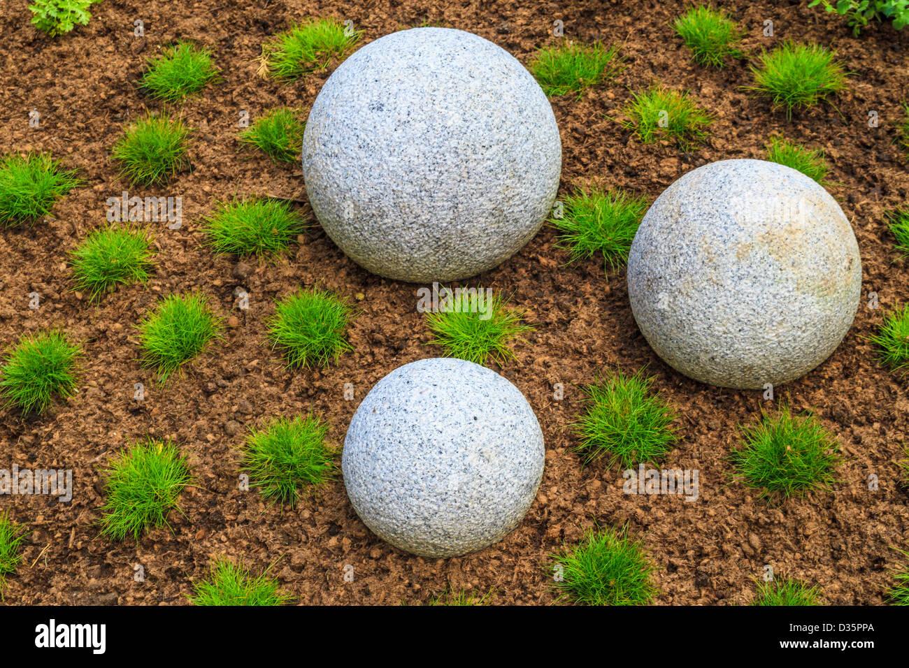 Japanese Zen Garden with granite stone boulders - Stock Image