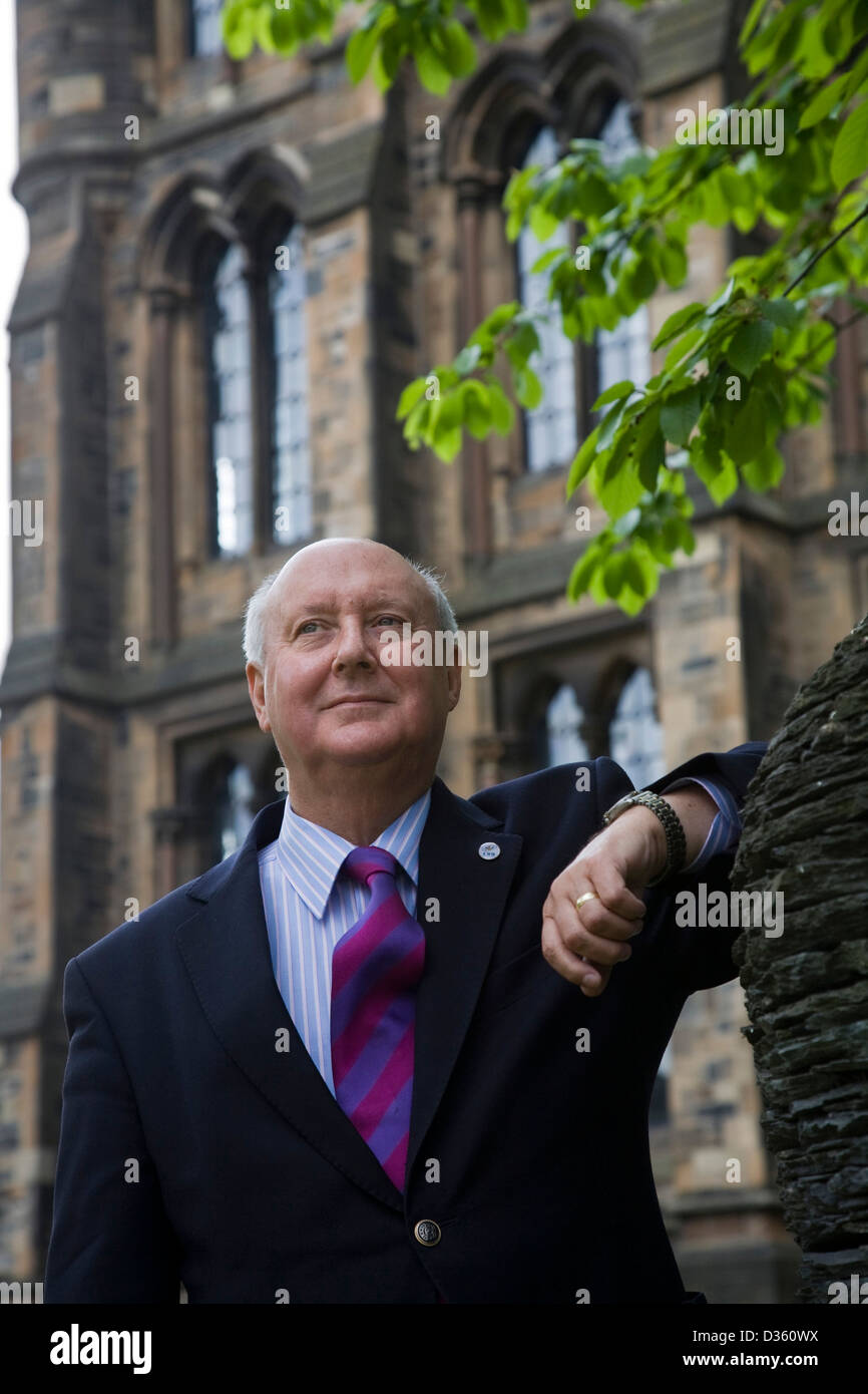 Professor Sir Kenneth Calman, the Chancellor of the University of Glasgow, and former Chief Medical Officer of Scotland - Stock Image