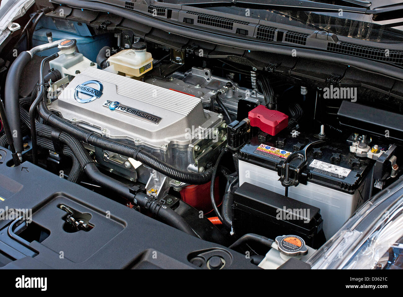 Nissan Leaf Battery >> Lithium Ion Battery In Nissan Leaf Zero Emissions Electric Car