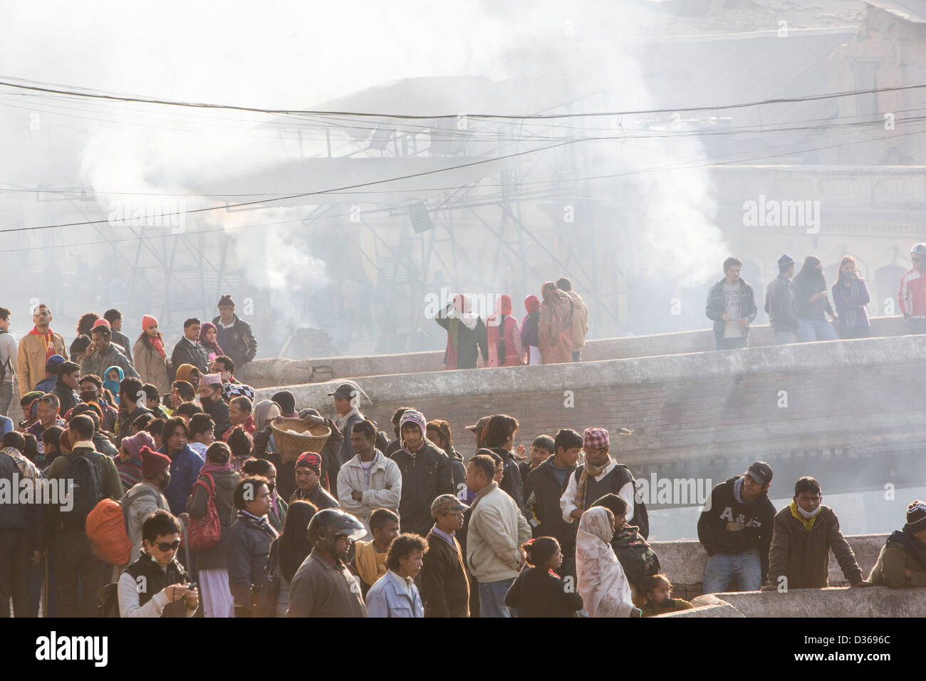 A Hindu cremation ceremony at Pashupatinath Temple, a Hindu temple of Lord Shiva located on the banks of the Bagmati - Stock Image