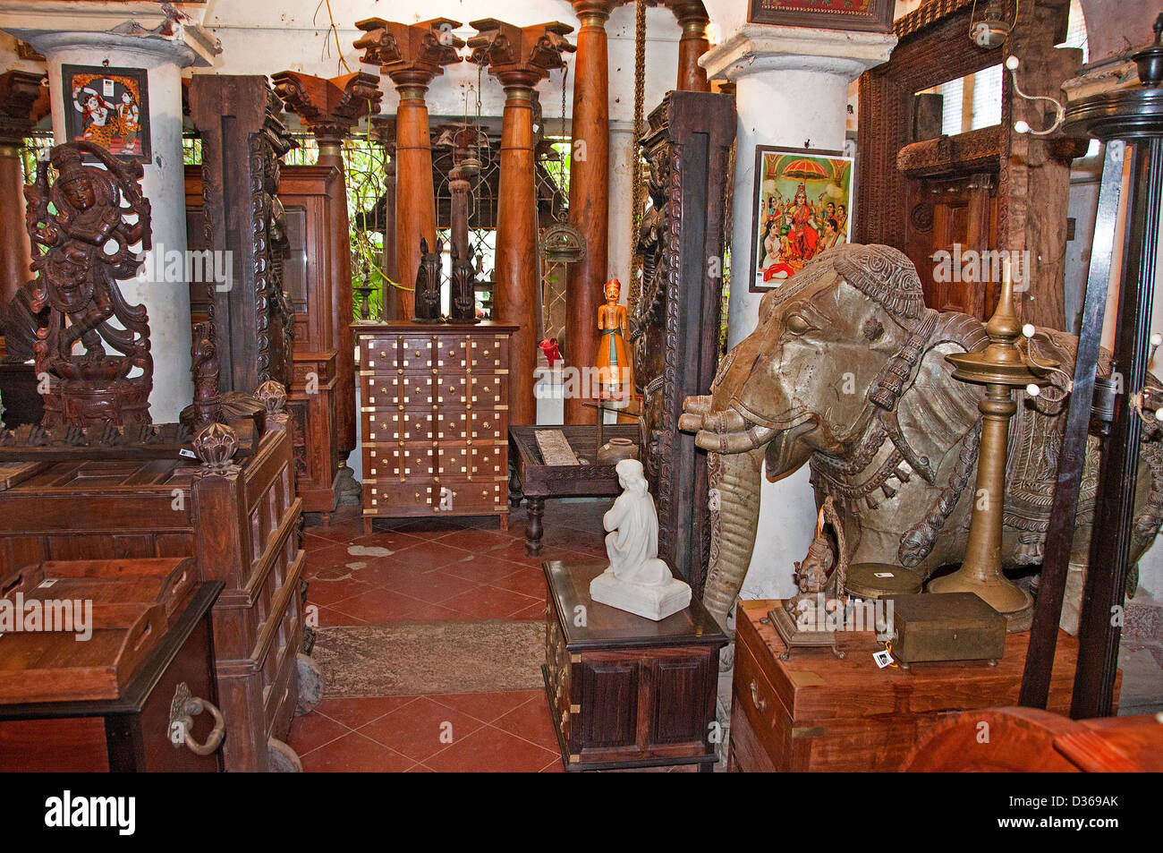 Antique Shop Tavikneswaran Geerhanjaky Puducherry ( Pondicherry ) India  Tamil Nadu - Antique Shop Tavikneswaran Geerhanjaky Puducherry ( Pondicherry