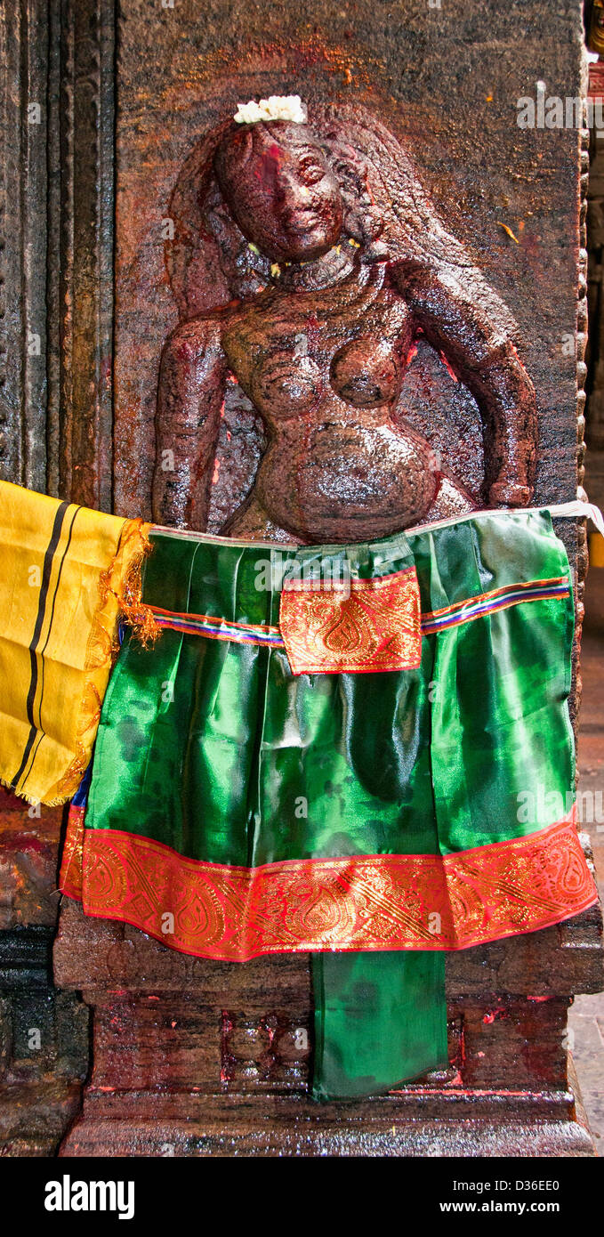 Sri Meenakshi Amman Temple Hindu shrine depicting Goddess of Fertility Madurai India Parvati  Meenakshi Shiva Sundareswarar - Stock Image