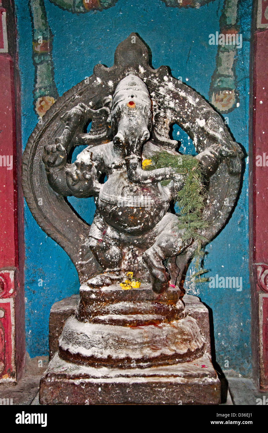 Sri Meenakshi Amman Temple Hindu ( dedicated to Parvati - Meenakshi-  Shiva- Sundareswarar )  Madurai India - Stock Image