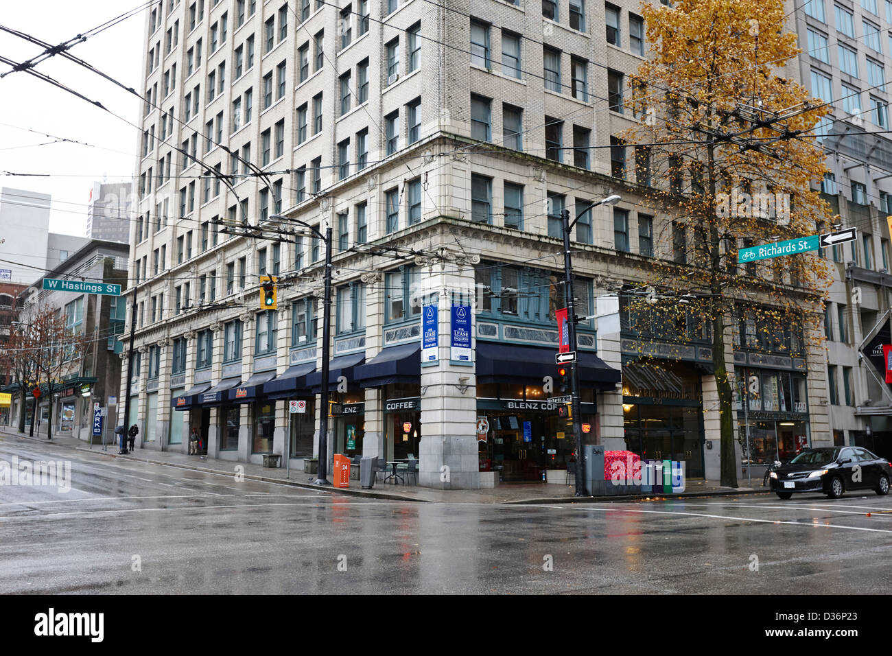 blenz coffee shop on the corner of the standard building hastings and richards Vancouver BC Canada - Stock Image