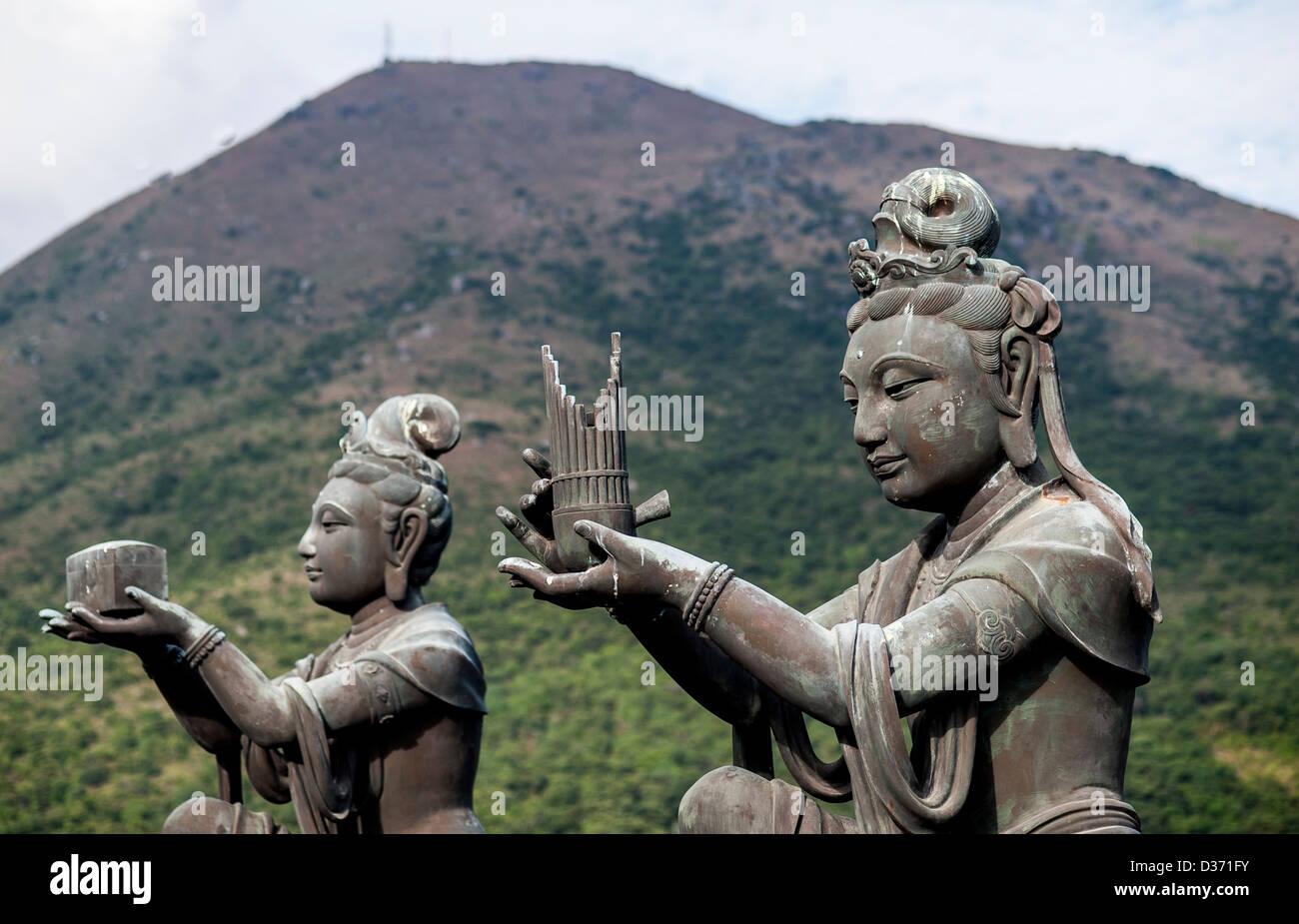 LANTAU - HONG KONG, SAR of CHINA: Statues in the island of Lantau in Hong Kong - Stock Image