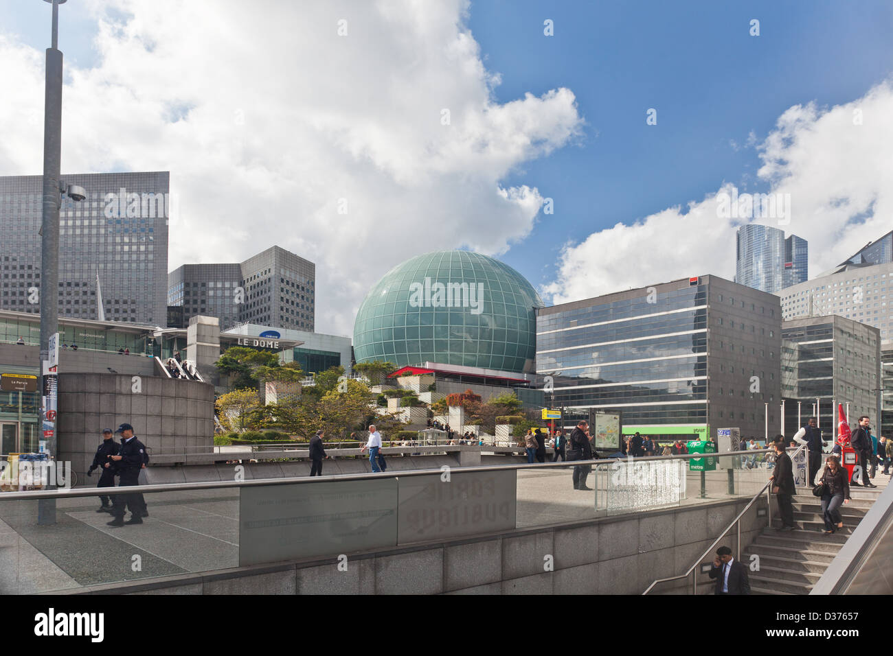 Part of La Défense, the business area of Paris which also has dining and entertainment facilities, such as - Stock Image