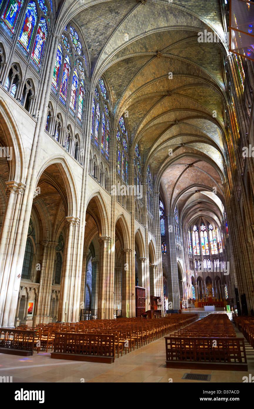 Saint Denis Gard: Basilica Of Saint Denis Pictures Stock Photos & Basilica