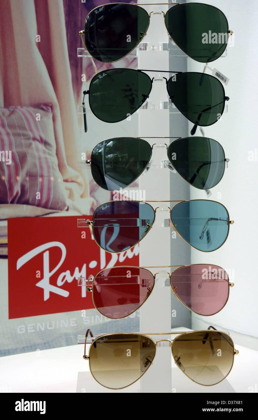 62250d593a01f Ray-Ban sunglasses in shop window in Santa Cruz de Tenerife