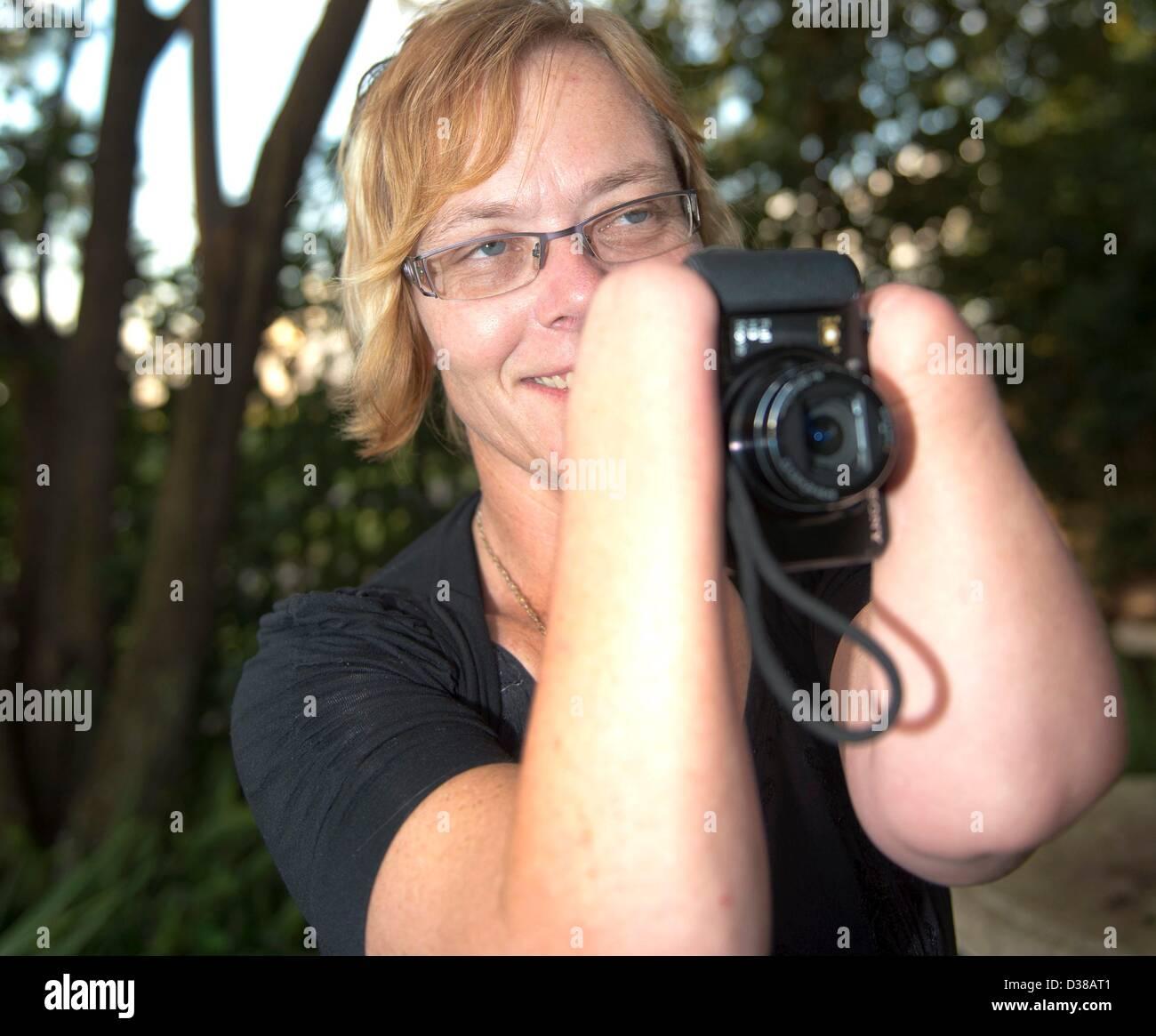 VEREENIGING, SOUTH AFRICA: Elize Henwood on February 2, 2013, in Vereniging, South Africa. Elize lost both her hands - Stock Image