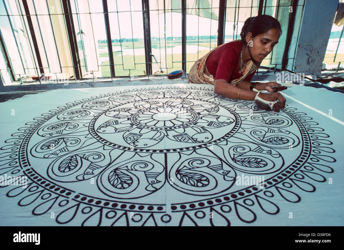 Woodblock printing on cotton cloth. Manikganj, Bangladesh - Stock Image