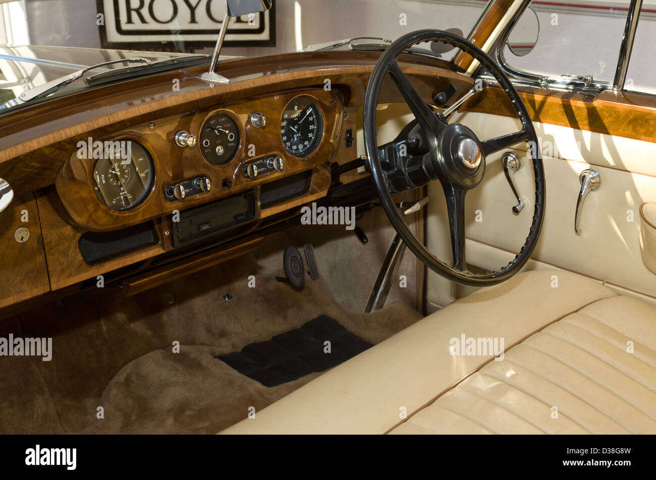 Interior Rolls Royce High Resolution Stock Photography And Images Alamy