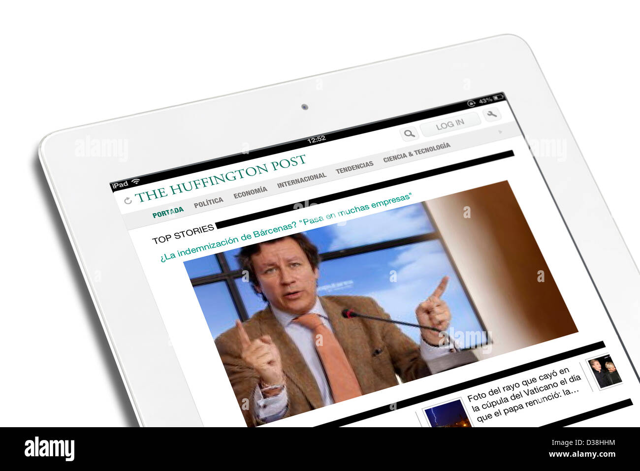 iPad App showing the Spanish edition of the Huffington Post viewed on a 4th generation Apple iPad - Stock Image
