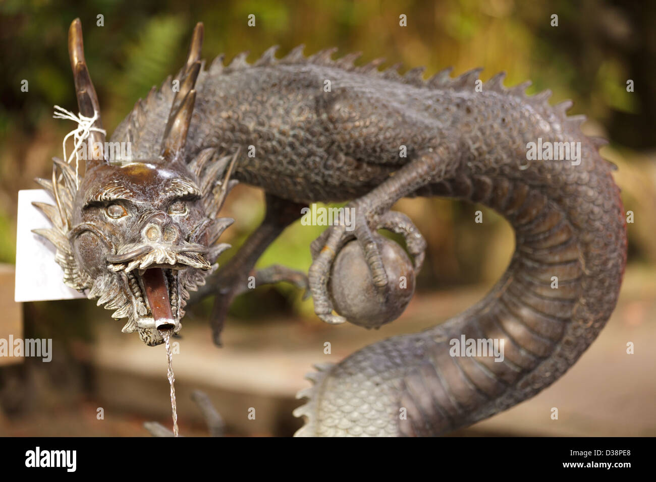Japanese Dragon Statue Stock Photos & Japanese Dragon Statue