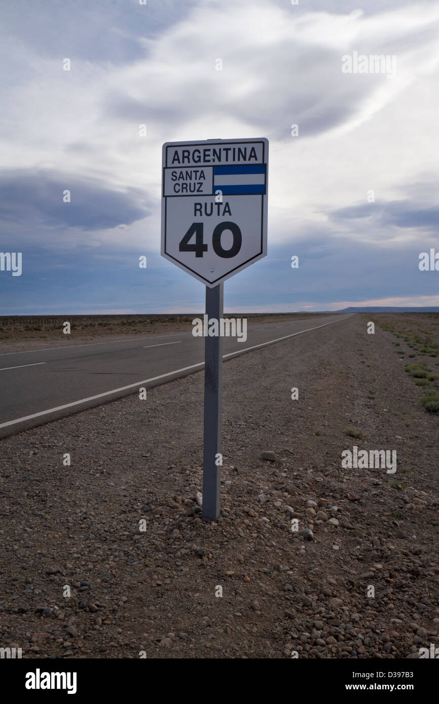 The Ruta 40 sign stands alongside this famous stretch of road - Stock Image