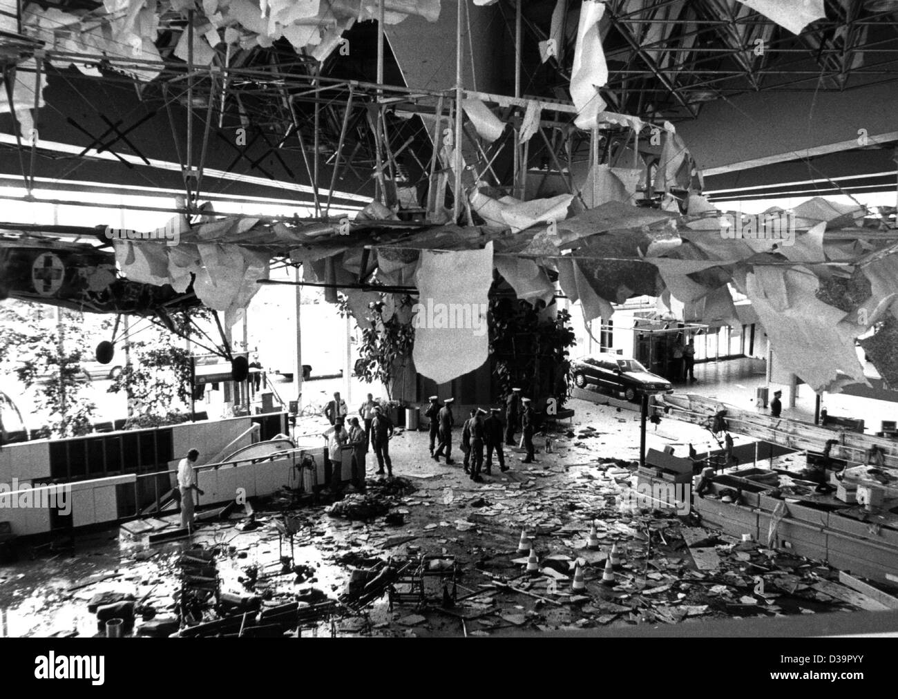 (dpa files) - View of the destroyed hall B after a bomb exploded at the airport in Frankfurt (Germany) on 19 JuneStock Photo