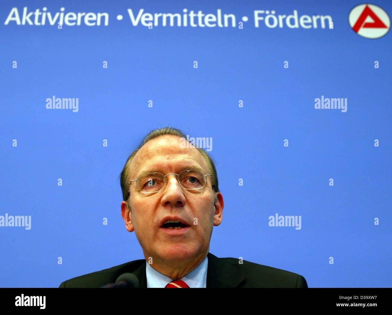 Florian Gerster, Chairman of the board of the Federal Employment Office (Bundesanstalt fuer Arbeit), speaks in Nuremberg, - Stock Image