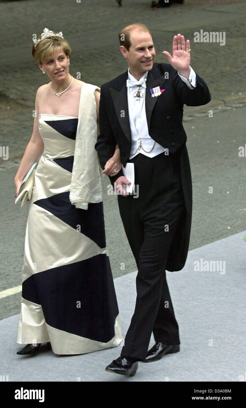 Prince Edward Wedding.Dpa Sophie And Prince Edward Of Wessex Arrive For The