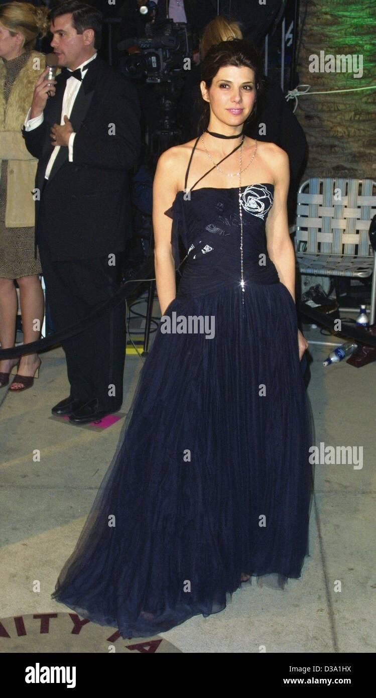 (dpa) - US actress Marisa Tomei, wearing a Jurgen Simonson dress, arrives at the Vanity Fair party in Morton's - Stock Image