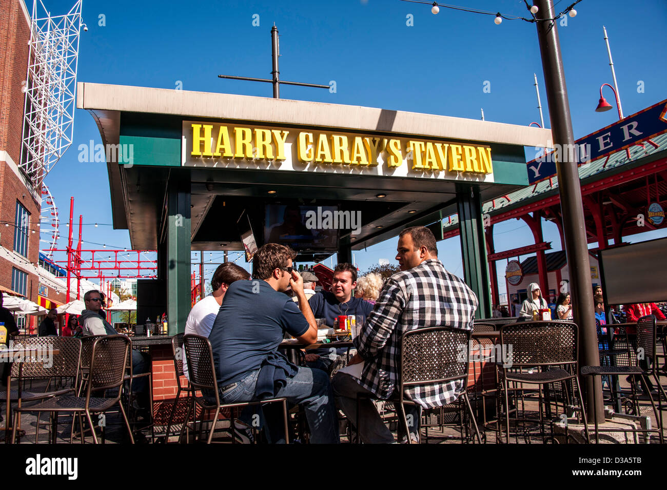 Outdoor Restaurant At The Chicago Navy Pier Stock Photo