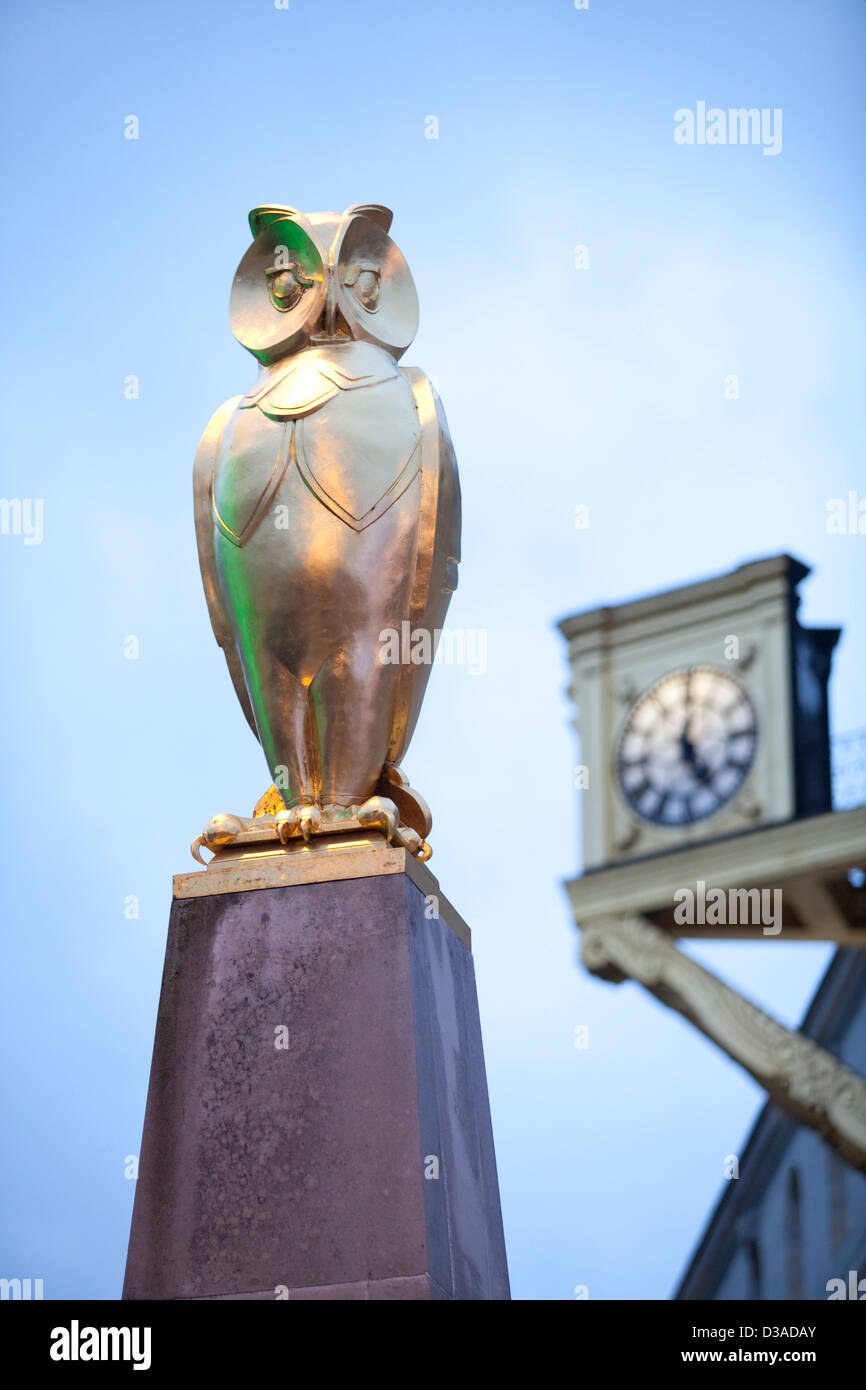 The owl is a symbol for Leeds and used in the heraldic coat of arms for the city - Stock Image