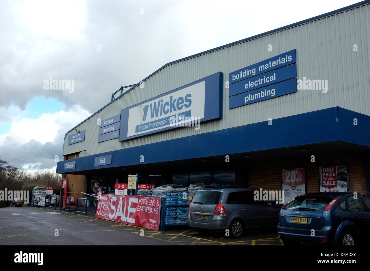 wickes diy store sevenoaks kent uk 2013 Stock Photo: 53705539 - Alamy