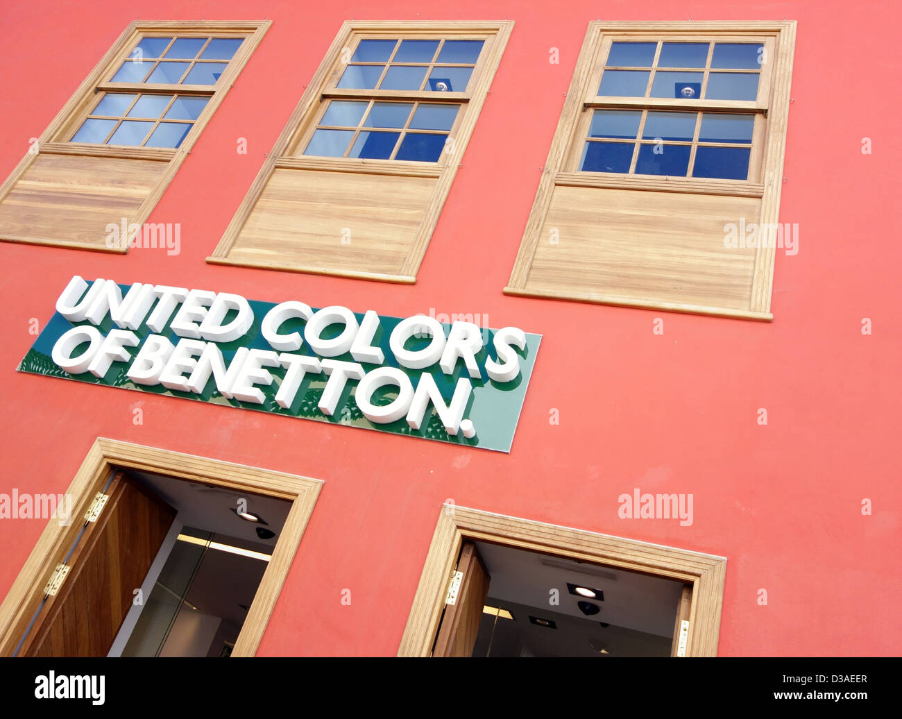 united colors of benetton fashion store in la laguna