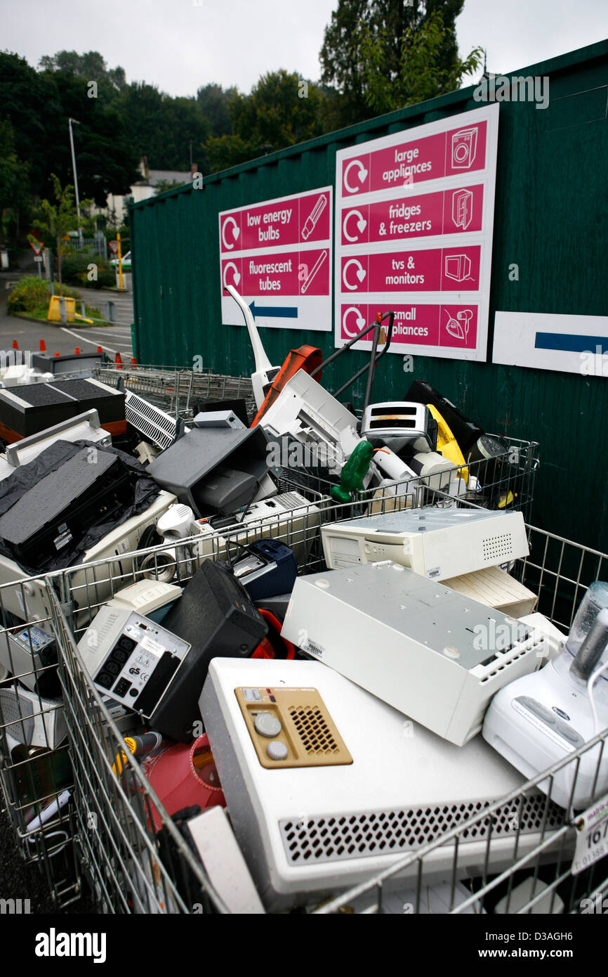 Recycling Centre  for domestic use in Leeds - Stock Image