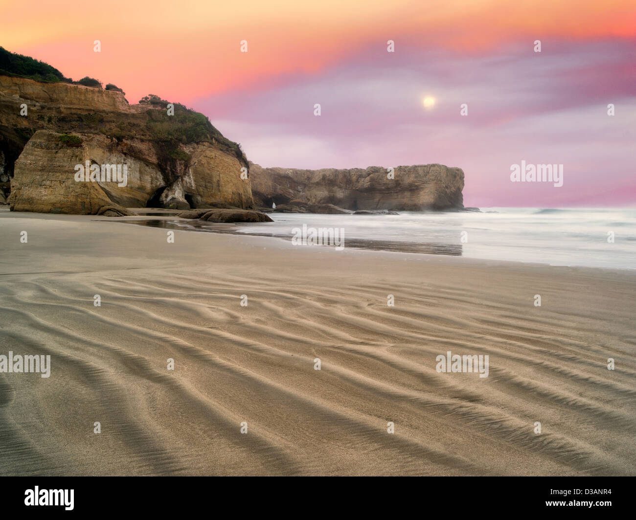 Beach at Devil's Punchbowl State Natural Area. Oregon - Stock Image